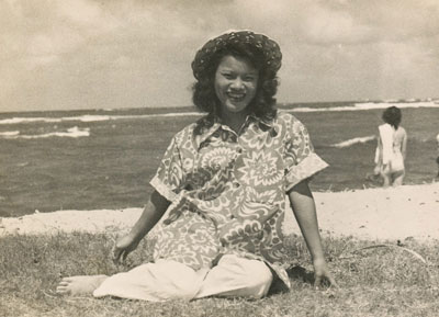 Teresa,-Waimanalo-beach