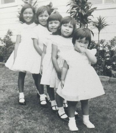 Debbie-Lau-&-sisters-sm
